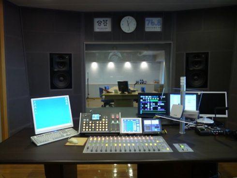 DHD.audio52SXミキサー導入事例-岡山エフエム様-
