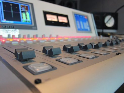 DHD.audio 52/RXミキサー導入事例 FMとやま様