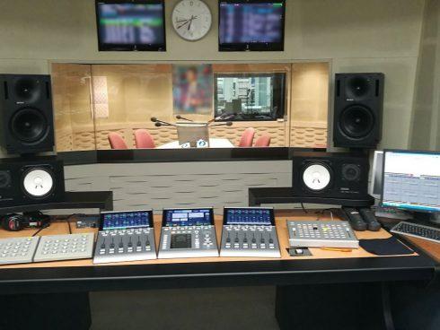 従来の運用を活かしたスタジオ更新 RX2ミキサー -富山エフエム様-